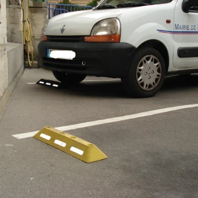 Lane separator