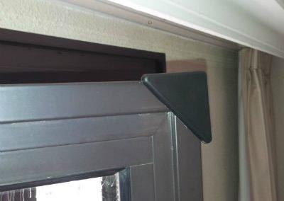 Protection coins de fenêtre