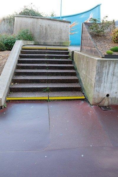 yellow-steps-risers-waccess